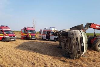 Doi adulţi şi 4 copii, răniţi într-un accident rutier, în Timiș. Ce s-a descoperit despre şofer