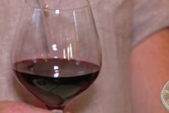 Motivul pentru care bucureștenii plătesc chiar și 50 de lei pentru un pahar cu vin