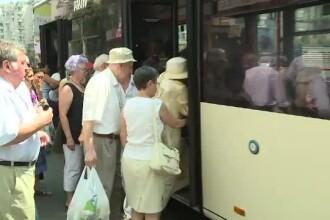 Jumătate din autobuze n-au aer condiționat, dar noua aplicație RATB îți va spune când ajung exact în stație