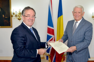 Noul ambasador al Marii Britanii la București, Andrew Noble, i-a prezentat lui Meleșcanu scrisorile de acreditare