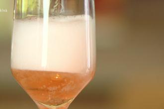 Bărbații din România, campioni la consumul de alcool. Câte băuturi consumă pe zi