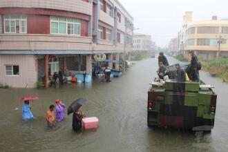 6 morţi şi mii de persoane evacuate, după ce o furtună tropicală a lovit Taiwanul