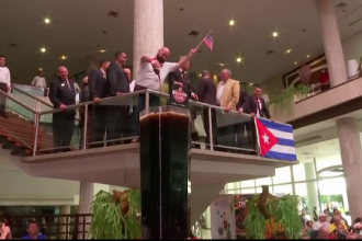 """Orașul în care a fost făcut cel mai mare """"Cuba Libre"""" din lume. Are 500 de litri"""