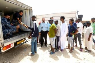Sute de migranţi au rămas fără hrană şi apă în centre din capitala Libiei. Gardienii au fugit