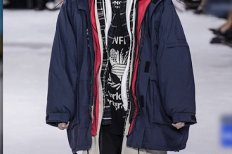 Cât costă o haină cu nouă straturi, lansată de casa de modă Balenciaga
