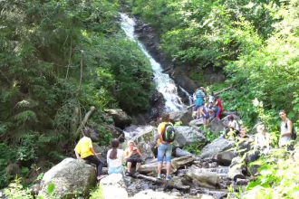 Zeci de copii au descoperit frumuseseţea peisajelor din Țara Moților, în tabăra de la Arieșeni
