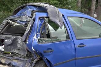 Momentul în care un camion lovește o mașină. Accidente în lanț: 19 răniți în 3 ore
