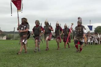 Festival despre istorie. Soldaţi romani şi gladiatori au