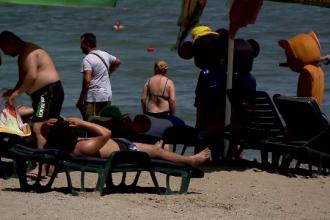 Românii trimit CV-uri de pe plajă. Concediile, folosite pentru a plănui pasul următor