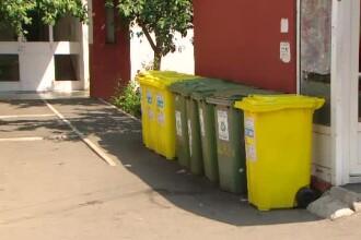 Haos la reciclarea gunoiului. Expert: Oamenii sunt bulversați de culorile de pe pubele