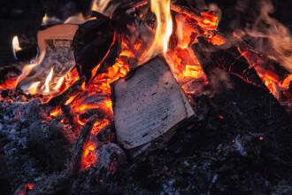300.000 de cărți, distruse în Turcia la cererea lui Erdogan