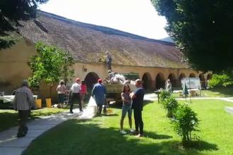 Cel mai vechi monument din Codlea, curățat de sașii abia întorși în România