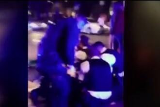 Polițist londonez atacat cu o macetă în timpul unui control în trafic. Starea bărbatului