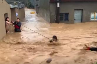 Alunecare de teren cauzată de taifunul Lekima. Sunt zeci de morți. VIDEO