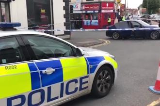 Polițist britanic, lovit de propria autospecială, condusă de suspectul pe care-l urmărea