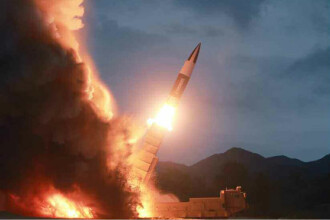 Coreea de Nord ar fi lansat o rachetă de pe un submarin