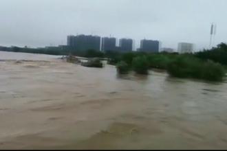 Un milion de oameni evacuaţi din cauza taifunului Lekima. O mie de zboruri au fost anulate