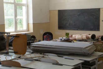 Părinții unor elevi din București au plătit pentru reparații, deși școala are fonduri de 100.000 euro