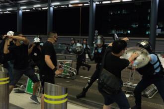 Decizia luată de autorități, după ciocnirile violente din aeroportul din Hong Kong. FOTO