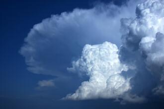 Vremea azi, 24 august. Țara este împărțită între caniculă și ploi cu temperaturi scăzute