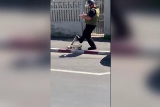 Valiză suspectă, pe o stradă din Târgovişte. Ce au găsit experţii SRI în ea