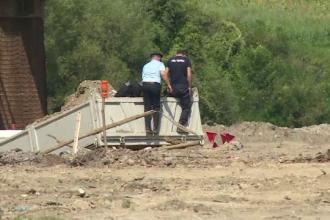 Bombe din al Doilea Război Mondial, găsite lângă un pod feroviar foarte circulat