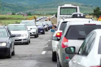 Vacanţa a început cu proba nervilor pentru miile de români care merg la munte. Cât e de aglomerat