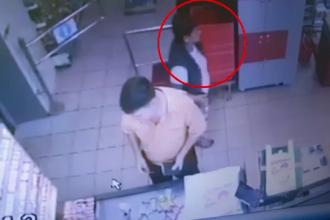 Vânzătoarele din două magazine din Piteşti au rămas fără banii din portofel. Cum au fost furate