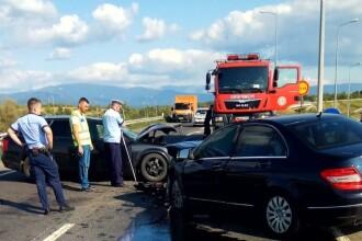 Patru răniți într-un accident pe centura din Caransebeș. Ce a făcut un șofer înainte. FOTO