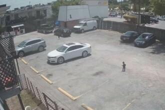 Un copil a fost lovit mortal de o mașină, în spatele mamei sale. Cum a fost posibil