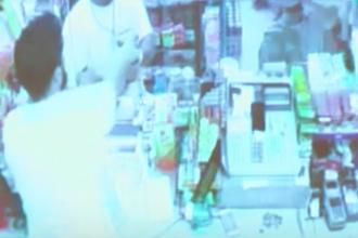 Tânăr de culoare, ucis pentru o bere de vânzătorul unui magazin. VIDEO