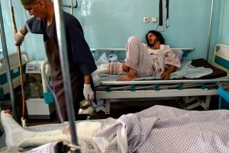 Statul Islamic revendică atacul sinucigaș din Kabul, soldat cu 63 de morți. Primele imagini