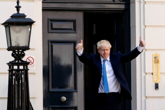 Cum vrea premierul britanic să evite dezastrul unui Brexit fără acord. Soluția propusă