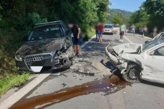 Accident cu 3 mașini și 5 victime la Brezoi. O gravidă în luna a şaptea, printre răniți