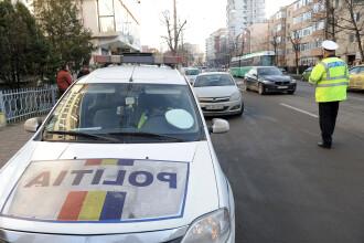 Șocant. VIDEO cu momentul în care un polițist din Maramureș este lovit în plin de o mașină