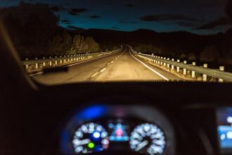 Un copil de 8 ani a furat mașina părinților și a mers cu 140 km/h pe autostradă