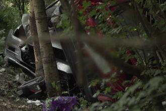 Accident grav pe DN1. O fetiţă a fost rănită iar bunica ei a rămas blocată în maşină