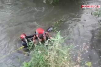 Un copil a căzut în apele râului Someș în timp ce se plimba. Care a fost norocul lui