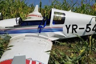 Un avion de mici dimensiuni pilotat de un american a aterizat forţat pe un câmp din Mureş