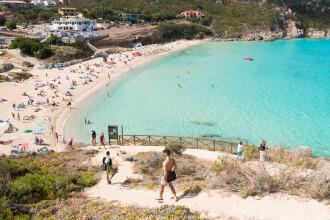 Motivul pentru care o plajă din Italia este păzită de un detaşament special de gardieni