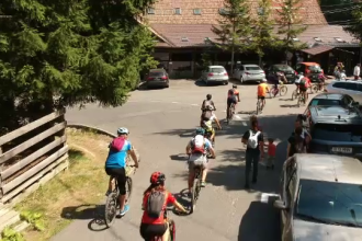 Tur pe biciclete în Sinaia. Cum au ajuns participanţii la Cota 2000
