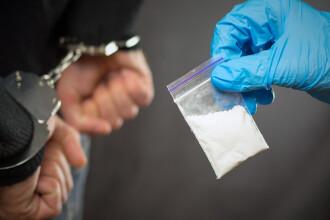 Român arestat în Marea Britanie pentru trafic de droguri. Are 10 condamnări în România