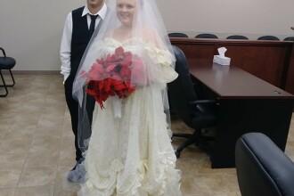 Erau împreună de la 13 ani şi au murit într-un accident la câteva minute după nuntă