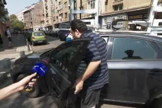 Un șofer a ajuns la mașina sa chiar în timp ce îi era ridicată. Ce reacție a avut