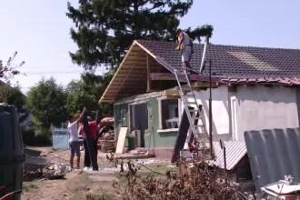 Au renovat casa părintească, iar apoi au donat-o unei familii sărmane