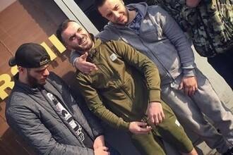Selfie în închisoare. Cum s-au fotografiat membrii unei grupări criminale din Albania