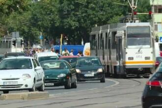 Românii se plâng că nu au primit banii pe taxa auto. Statul a depășit de mult termenul