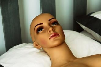 """""""Roboții sexuali îi pot ucide pe utilizatori"""". Avertismentul unui colecționar"""