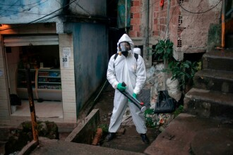 China vrea să schimbe originea Covid-19 și sugerează că pandemia nu a început în Wuhan