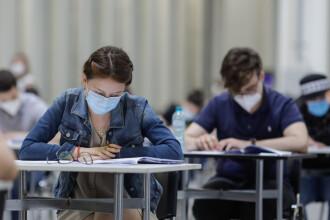 Guvernul a aprobat măsuri de prevenire a îmbolnăvirilor cu SARS-CoV-2 în școli